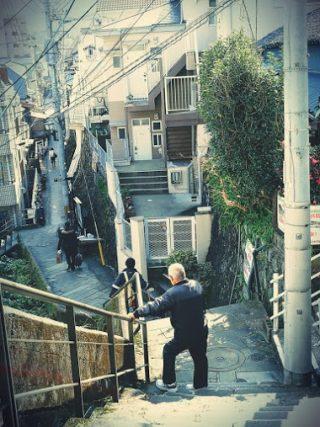 長崎らしい路地裏をさるいてたどり着く珍スポット:祈りの三角ゾーン